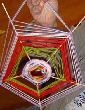 Spinnenweb met kastanje