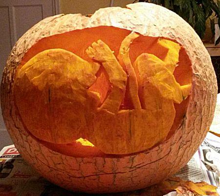 Knutselwerkje figuur in pompoen maken for Halloween versiering maken