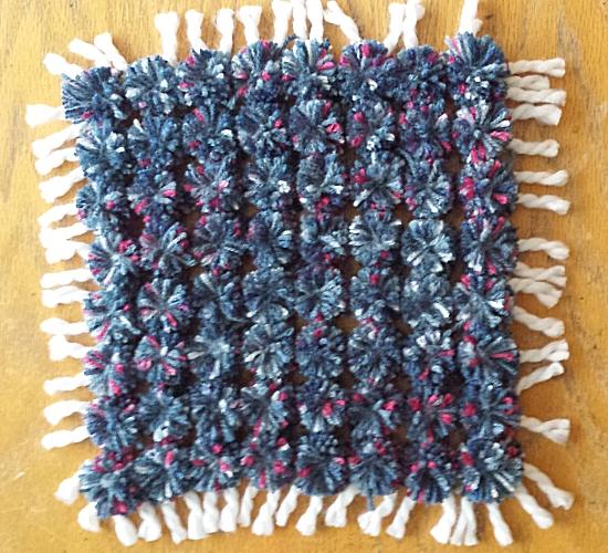 Pompom kleedje maken