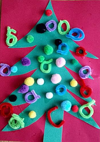 Kerstboom beplakken