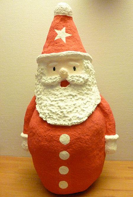 Kerstman van papier-maché