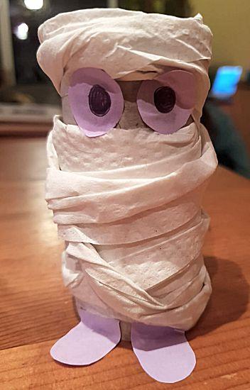 Mummie van een wc-rol