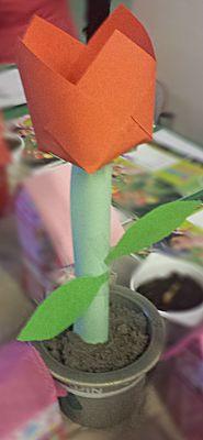Tulp van bouwblaadjes maken