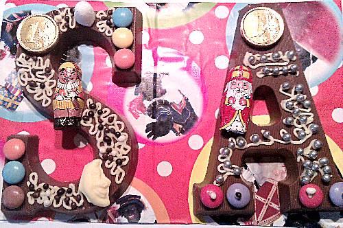 Chocoladeletters versieren