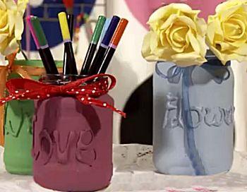 Lege glazen potten en flessen