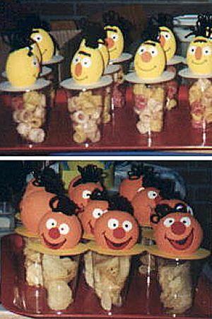 Bert en Ernie trakteren