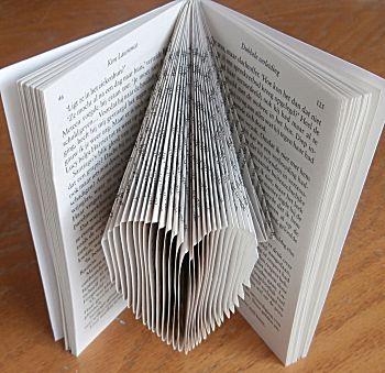Vouw een boekkunstwerk hartje
